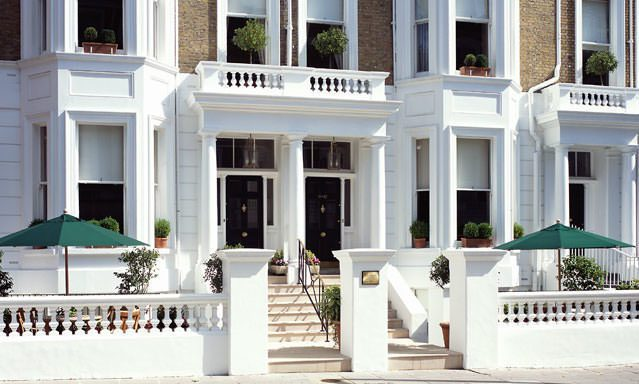 If you're looking for a boutique hotel in South Kensington, look no further than The Cranley London, a charming townhome nestled in a neighborhood setting.