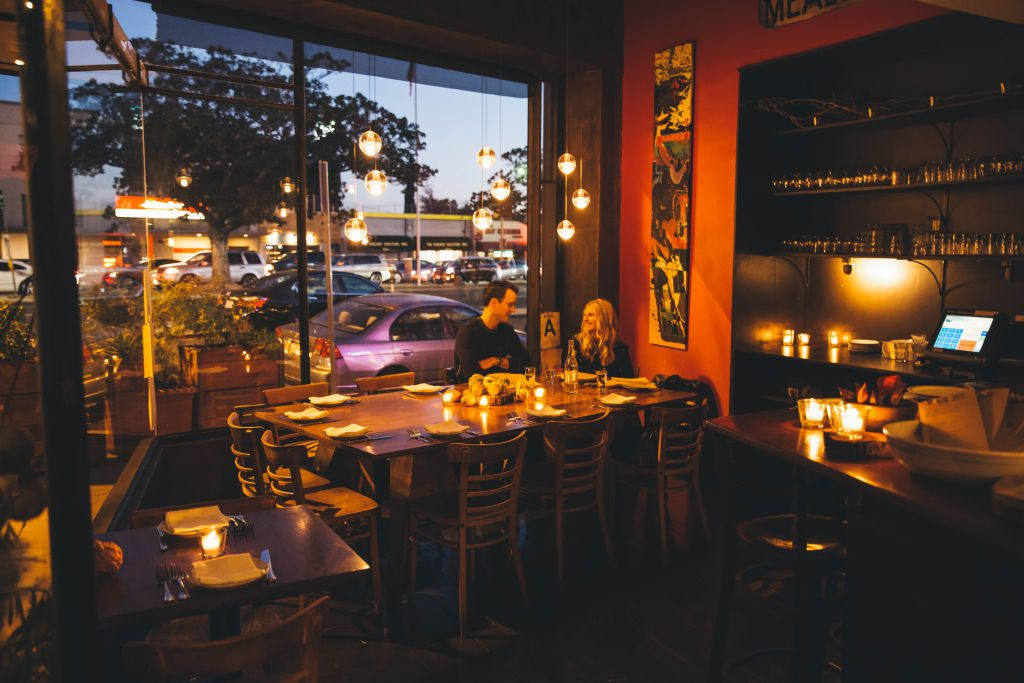 Looking for a great date night spot in L.A. that won't break the bank? Here are 10 of the best affordable restaurants in Los Angeles.