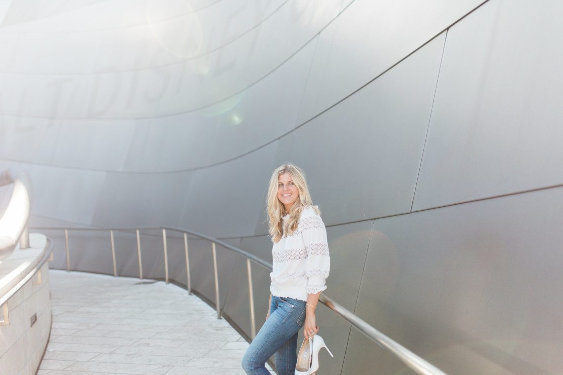 This Yuppie LIfe Blogger Molly Schoneveld Photographed at the Walt Disney Concert Hall + 10 Things to Do in Los Angeles Before the End of Summer.